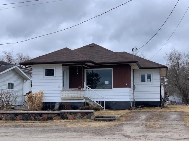 <h3>$146,900</h3><p>77 Aberdeen Street South, Chapleau, Ontario</p>