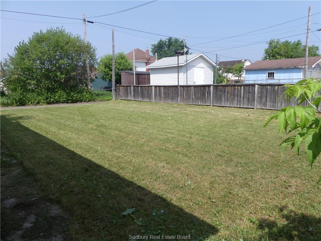 33 Grey Street NorthChapleau, Ontario  P0M 1K0 - Photo 3 - RP1439874669