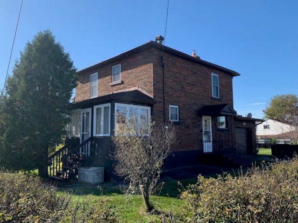 <h3>$189,900</h3><p>45 Grey Street North, Chapleau, Ontario</p>